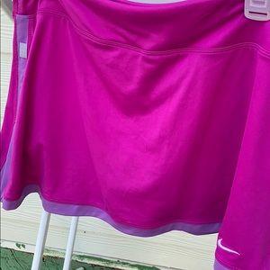 Nike Dri Fit tennis shirt w/shorts built in sz L
